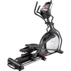 Sole E25 Elliptical showing the 2 hand grips, the console as centerpiece and oversized pedal to make feet comfortable